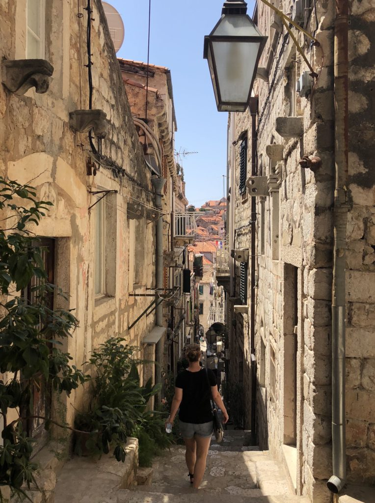 why dubrovnik is touristy