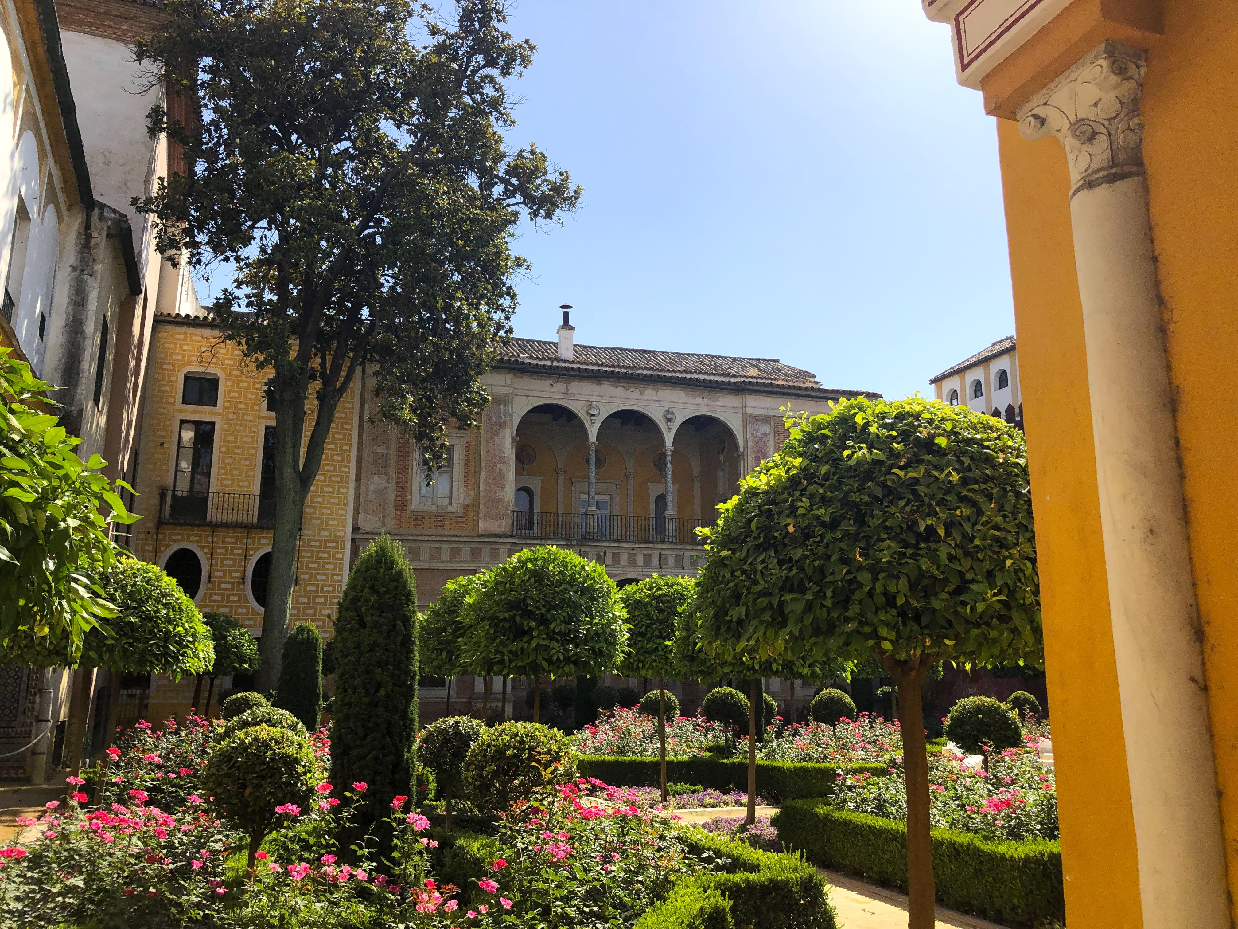 palaces in sevilla